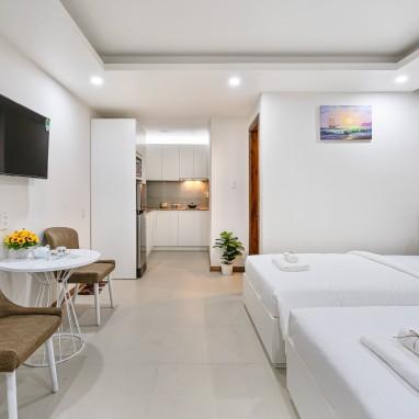 Phòng Twin Deluxe - The Royal Hotel - SECC, Phú Mỹ Hưng, Q.7