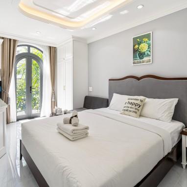 Phòng Superior Balcony - Royal Homies - SECC, Phú Mỹ Hưng