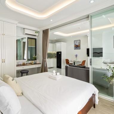 Phòng King Suite Basement - Royal Homies - SECC, Phú Mỹ Hưng