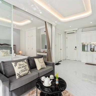 Phòng Suite Balcony - Royal Homies - SECC, Phú Mỹ Hưng