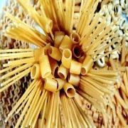M-U GIDA: Ngũ cốc (đậu đen, đậu lăng, đậu gà, gạo,...); Mỳ (mỳ ống, dẹt, nui xoắn, bột mỳ, men, lúa mỳ,...)